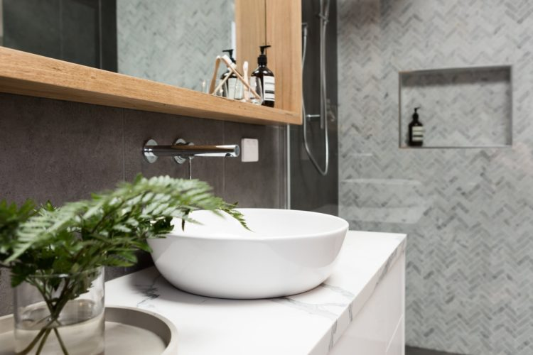 6 Solid Benefits for Choosing Quartz Bathroom Countertop
